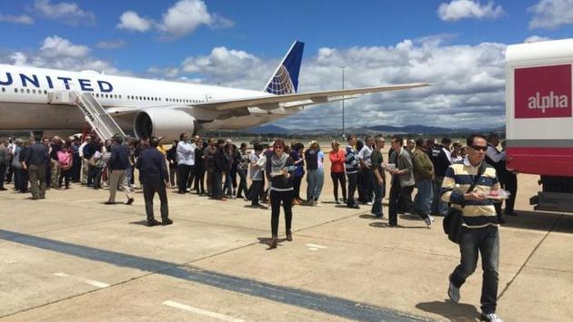 United Airlines Passengers Stuck on Tarmac in Australia