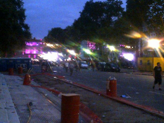 Decepcion! Quise venir a ver y a vivir un acto en Plaza de Mayo. Fue mas temprano? No hay nadie ya! http://t.co/5mUFnDMj3s