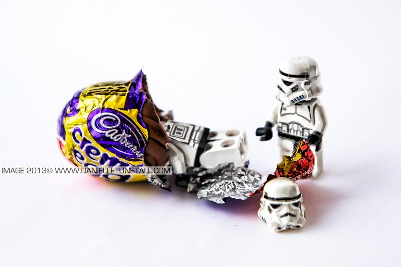 #ThreeWordsSheWantsToHear heres the chocolate #stormtrooper #lego #chocolate http://t.co/UcwEI2C1Oj