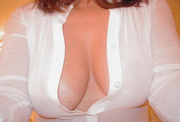 Boobies! #BigBoobProbs #bignaturals #insatiablemilf http://t.co/2fYq9Holtb
