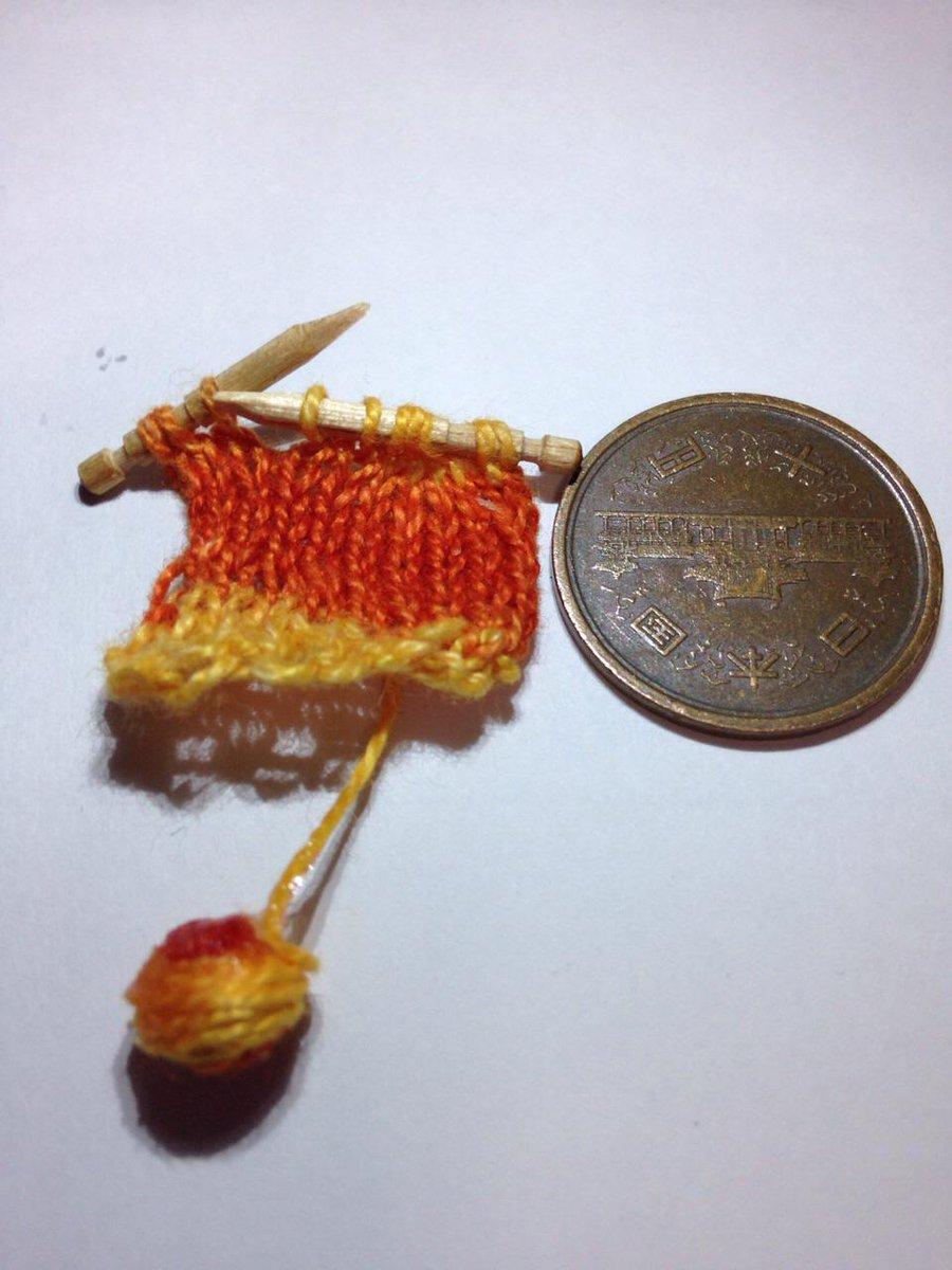 楊枝を編み棒に加工。自分が馬鹿だとわかった。汁様の陰謀にはまった。 http://t.co/EIv2oveK9W