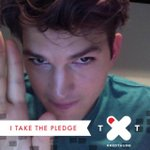 I won't text and drive. Take the pledge with your own selfie here: http://t.co/aFl1kfYPcm #SaveLives #RedThumb http://t.co/oInrof9quS