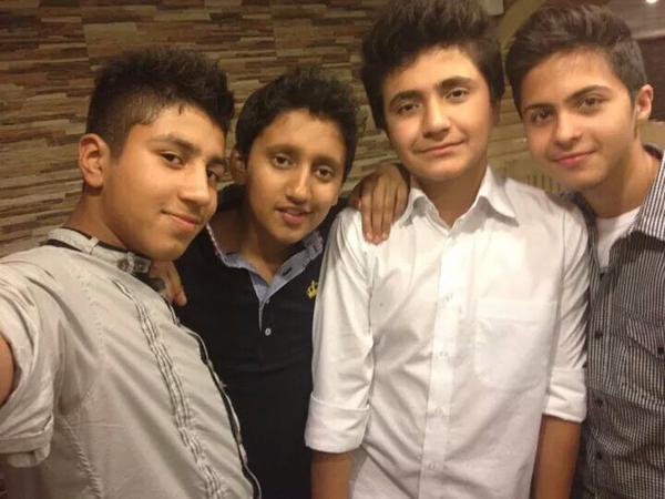 Eles eram alunos. Tinham uma vida pela frente. Foram mortos hoje. #PeshawarAttack  http://t.co/erJIVTxJdb