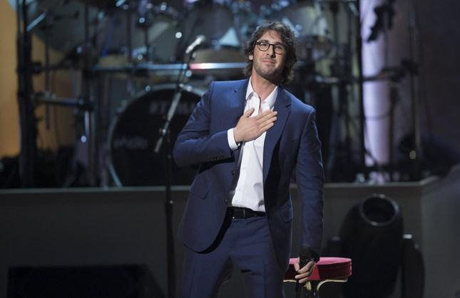 """""""I'll Be Home for Christmas"""" by @joshgroban named GREATEST CHRISTMAS SONG OF ALL TIME http://t.co/iFY4VZ67tQ http://t.co/4mSsNonwQa"""