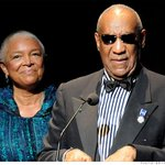 Camille Cosby defends husband, compares assault claims to Rolling Stone's UVA rape story http://t.co/37bZDvAweM http://t.co/8GhvtMfife