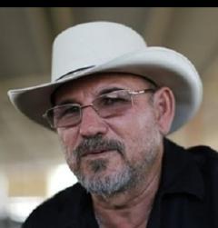 Alfredo Castillo nos dejo solos en enfrentamiento, tenemos varios muertos acusa en #Michoacan Hipolito Mora http://t.co/dAbGGAtL5t