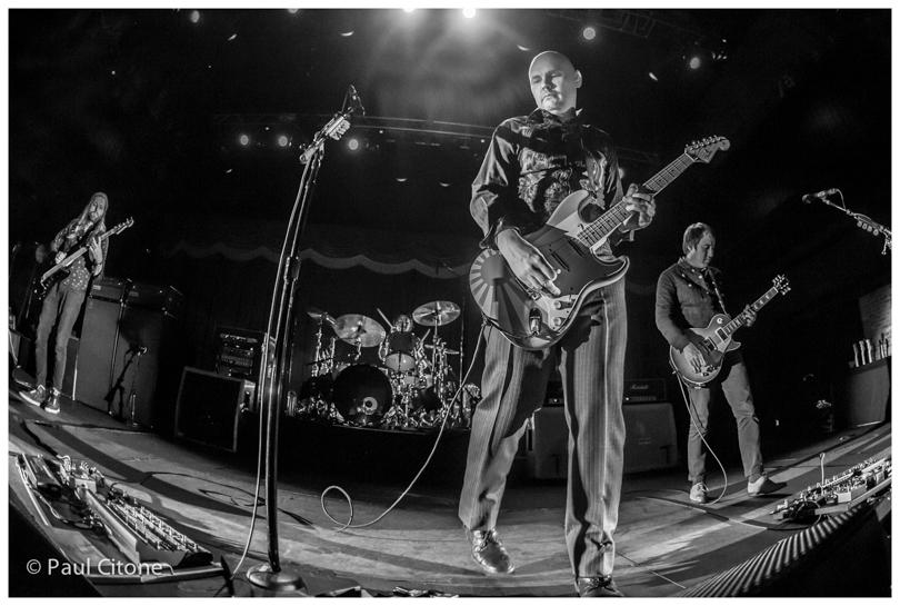 RT @CitonePhoto: @SmashingPumpkin @Billy at @BBowlVegas 12.13.14- Billy and friends crushed it - great show! http://t.co/8xHKSOwlQR