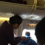 Chinês abre porta de emergência de avião porque queria pegar ar fresco http://t.co/ht9aQoxy5H #G1 http://t.co/ZLbtxGOiA9