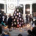 Encienden árbol navideño por Ayotzinapa en Hemiciclo a Juárez vía @QuadratinMexico #YaMeCansé7 http://t.co/aeksCHFUnM http://t.co/PNellucqWL