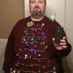 Это рождественский эльф Григорий. Добавь его себе в ленту , и он поделится с тобой праздничным настроением. http://t.co/YskIyMteyC