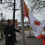 @cityofsaintjohn Mayor @Melnortonsj & Brenda Guitard raise flag @ #saintjohn City Hall for #CGFlagRelay, Stop 8 http://t.co/tbccJ8msbK