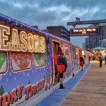 Seasons Greetings #chicago @cta #purpleline @ChooseChicago #MyChicagoPix http://t.co/1vMOOSoSN6