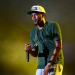 """J. Coles """"2014 Forest Hills Drive"""" debuts at No. 1 on the Billboard 200 chart: http://t.co/g0zJYgESxv http://t.co/bZN1HCTurh"""