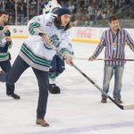 With dress shoes on ice... @LWillson_82s still got it. #AllInTheWrist PHOTOS [http://t.co/sRNVojcgoy] http://t.co/3TEh3HIOGT