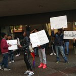 Students rally outside #Oakland Unified asking for an end to police violence #KTVU #blacklivesmatter http://t.co/nuAq5HHXHq