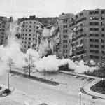 Destruction of Cabrini Green #Chicago http://t.co/gzvx8HbUnN–Green @oscarmayer @madlyv @TonyTodd54 @xanderberkeley http://t.co/Sr6uVB992G