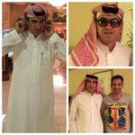 صور خاصة جديدة لبيتوركا وهو كاشخ بالزي السعودي. بالنظارة تعتقدون يشبه مين ؟ http://t.co/lbiBQOM0nm