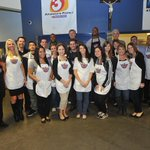 .@Suns alumni, execs & staff volunteer for @nbacares during @NBA Season of Giving by serving lunch @SVdP. #SunsGive http://t.co/8TMJas0uWH