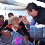 Los adultos mayores son #AbrigadosdeCorazón por @aborjap para que tengan un cálido invierno. http://t.co/VZbJBvEKxL