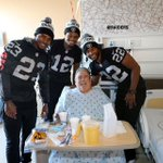 PHOTOS: #Oakland @RAIDERS spread holiday cheer to patients at Kaiser #SanLeandro: http://t.co/V31PHeFVgh http://t.co/5aZnh256C6