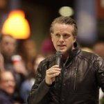 Cary Elwes has hundreds of fans eating out of the palm of his hand @Powells #princessbride #forever @Oregonian http://t.co/miyH0YNKbx