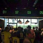 Loja oficial do Borussia Dortmund não tem caixa número 4. O motivo? O arqui-rival Schalke 04 https://t.co/I1zawpWRSK