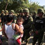 Así las cosas en #Ayutla Guerrero #YaMeCanse7 #YaMeCanse8 #Ayotzinapa Fotos: Reuters #JusticiaParaAyotzinapa http://t.co/SvlQS9pM38