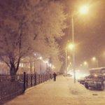 Доброе утро, друзья! Утренний #Омск сегодня выглядит просто сказочно:) Фото Анастасии Коллонтай #доброеутро #иней http://t.co/ueIsRK5eAR