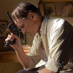 """#Cinéma : Loin des hommes de David #Oelhoffen, d'après """"L'Hôte"""" de #Camus, sortie le 14 janvier. cc @PatheFilms http://t.co/NFZ3UVWXcf"""