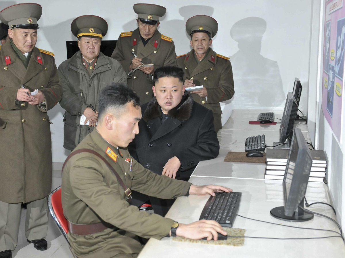 """""""@ThePoke: In case you thought your job was stressful http://t.co/VUVcS3LHJW"""" < our great leader does pair programming too?!!"""