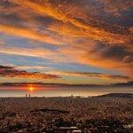 Espectacular albada avui #obsFabra #Barcelona #sunrise @btvmeteo @SoniaPapell @ARAmeteo @AlfredRPico @jordicampos http://t.co/nafyfYm1Dt