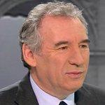 """.@Bayrou : la nouvelle carte des régions est """"une absurdité"""" http://t.co/OXfcJCW1W0 http://t.co/m1aemq1TVT"""
