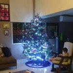 Como mamá poder ver a mi hijo con el espíritu navideño a todo lo que da #MamáFeliz #Eliseito #SatisfacciónDelDía http://t.co/nCZ53CbYll