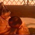 Со Ерөнхий сайдын эхнэрийг мөөмийг хөхсөн нь http://t.co/RzicVkdNK4