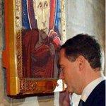Баавгайжавын залбирал: ПУрхан минь, шинэ онд ажилтайгаа vлдмээр байна. Рублийн ханшийг тогтоож хайрла! http://t.co/sMUNU5Mf9F