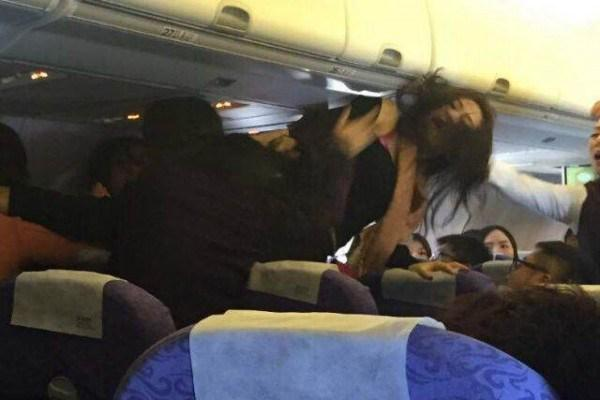 Brawl over noisy child documented on Wednesday's Air China flight from China to Hong Kong. http://t.co/TPRjsRAHOY http://t.co/6FkB5BQ2zN