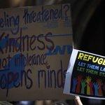 #Abbott urged to go easy on refugees in #Australia after #Sydney siege http://t.co/FuT2EvKK97 http://t.co/WXhmHHHwnf