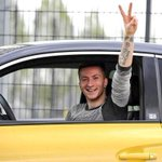 MAD: Dortmunds Marco Reus has been fined a staggering €540,000 for driving without a license for over 3 years! http://t.co/MDsrrvq1Vs