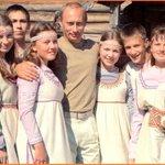 Je pense demander la nationalité Russe, devenir Africain me gonfle! http://t.co/M3zWtpFcQy
