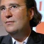 Xavier Niel rachète Orange Suisse 2,3 milliards deuros via NJJ Capital - http://t.co/P5x8iK9bhH - clubic http://t.co/O1KlzJzehC