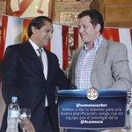 Hoy a las 12:00, en el estadio Defensores del Chaco, @ramondiaz9dt presentará a su cuerpo técnico #VamosParaguay. http://t.co/nd5ldMYvIC
