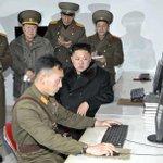 Tip: telkens als je last ondervindt van hoge werkdruk, kijk dan even naar deze Noord-Koreaanse programmeur. http://t.co/56GZ3lWBEp