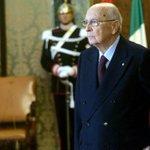 """El presidente de Italia, Giorgio Napolitano, anuncia su """"inminente"""" dimisión a los 89 años http://t.co/tRFIN6sXMN http://t.co/chB7wXGLZZ"""
