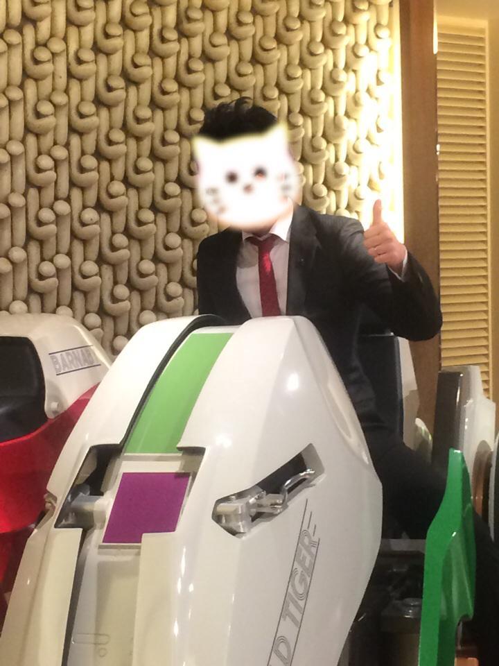 そしてサンライズ忘年会撤去時に、特別にタイバニの展示用チェイサーに乗せて頂きました…!+゚。*(*´∀`*)*。゚+感激! http://t.co/6f8p3WjdK3
