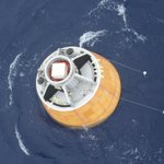 First images of prototype Indian crew module that splashed down in the Bay of Bengal #GSLV http://t.co/jVpFtF99Se