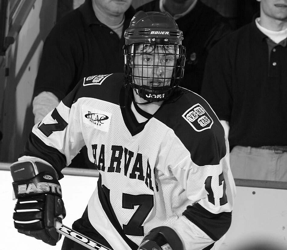 For #TBT we celebrate the great start of the season for @Harvard_Hockey with former star Dominic Moore @MooreDom http://t.co/lYHhbWIkuX
