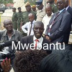 Alex Muyokela explaining to journalists while he failed to file in his nomination at the Supreme Court grounds http://t.co/CNrXHDVRBk