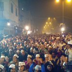 @ArvindKejriwal at Ballimaran.Amazing crowd amazing respone.People want AAPs government with overwhelming majority. http://t.co/7Z8jUEZ2k4