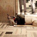 Por su cumpleaños, el papa Francisco regala bolsas de dormir a sintechos http://t.co/kS6DiE8wuB http://t.co/8X4Xst5NuA