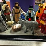 Meanwhile in Dublin, THIS has just turned up. A knitivity scene #Christmas #Ireland #knitting http://t.co/w2xfEwvj7H